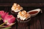Schoko-Buttermilch-Cupcakes-mit-Earl-Grey-und-Salzkaramell-1