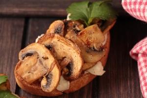 Ciabatta mit Pilzen und Mozarella