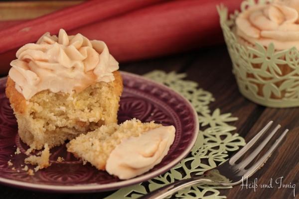 Zitronen-Rhabarber-Cupcakes