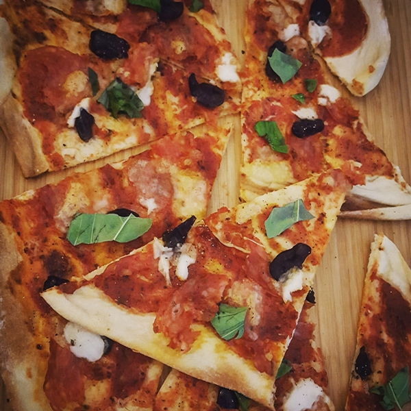 Pizza mit Büffelmozzarella