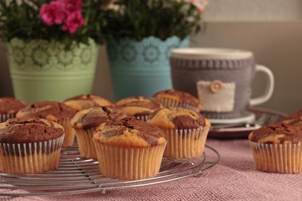 Schnelle Schwarz-Weiß-Muffins | heissundinnig.com
